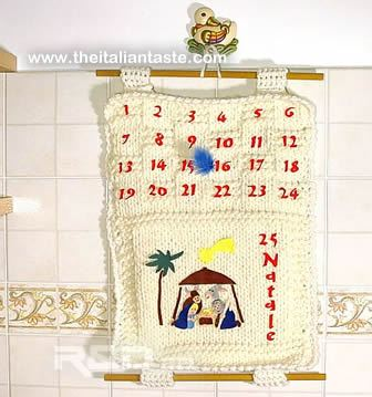 Handcrafted Advent calendar made with wool and felt. Thiis Advent calendar is cheap and easy-to-do
