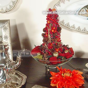 Christmas tree with pot pourri, Italian-style