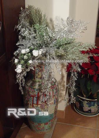 Silver-and-green Xmas arrangement