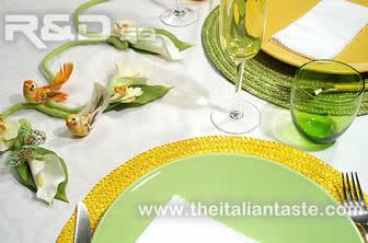 A new way to decorate the spring table. A new table setting with felt crafting