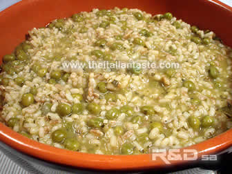 Peas and rice: Italian recipe with fresh peas in