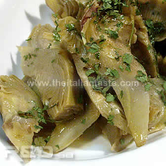Artichoke side dish cooked in a simple way, healthy recipe