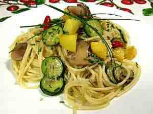 spaghetti with vegetable sauce according to the Mediterranean diet