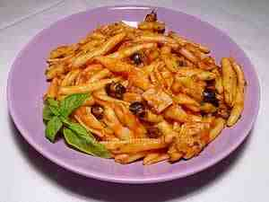 fresh pasta with tuna and olives