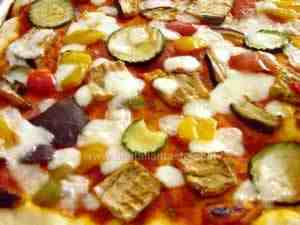 pizza with grilled peppers, courgettes and aubergines
