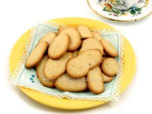Italian breakfast cookies; serve them with tea too