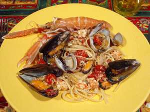 Spaghetti with shellfish and langoustines