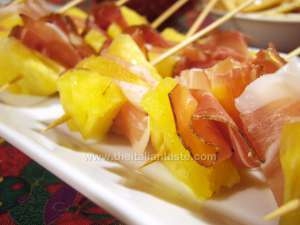Kebabs with speck and pineapple