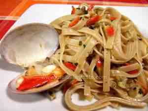 linguine tossed with smooth clam sauce